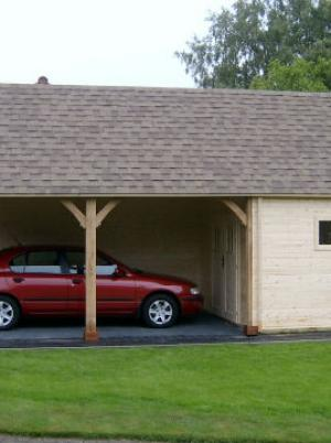 Garage en carport in hout met zadeldak