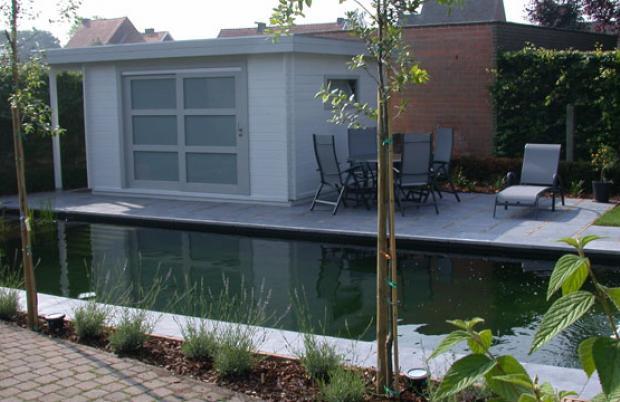 modern poolhouse met schuifdeur