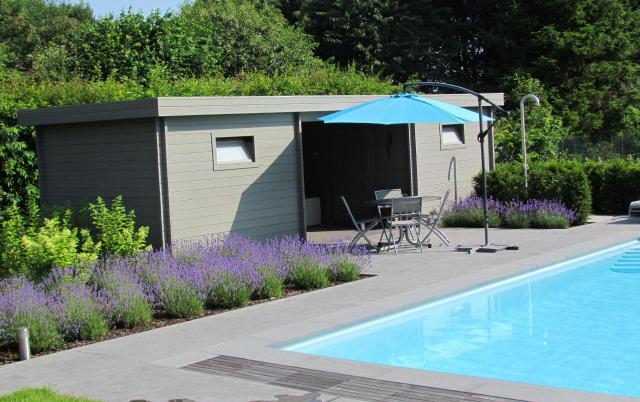 dubbel plat dak met zithoek in het midden